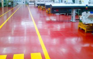 Realizzazione-segnaletica-su-pavimento-industriale-7