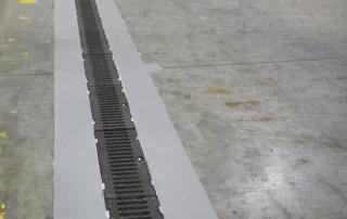 Realizzazione-segnaletica-su-pavimento-industriale-giunti
