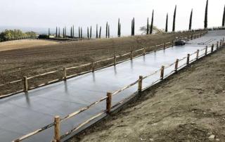 Pavimento industriale con finitura pettinata
