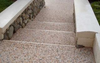 pavimento in sasso italia o sasso lavato per esterni