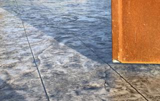 pavimento in cemento stampato fresco su fresco