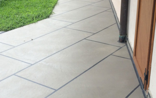 pavimento effetto piastrella in rasico